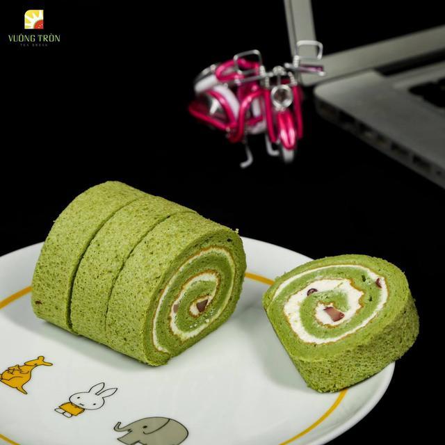 Bánh bông lan cuộn trà xanh
