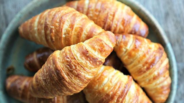 Bánh Croissant